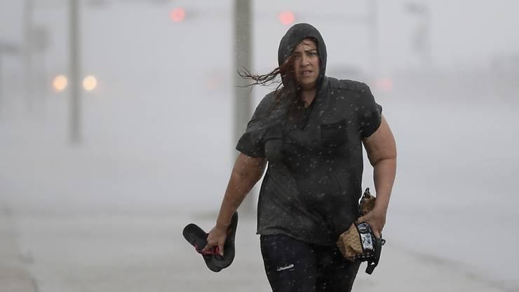 """In Galveston, dem Küstenvorort von Houston in Texas, sind Vorboten von Hurrikan """"Harvey"""" schon angekommen."""