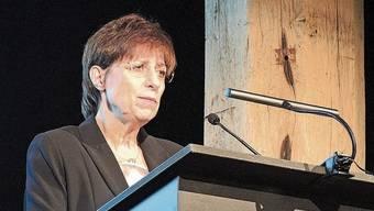 Geschäftsführerin Gabriela Oeschger spricht am Anlass im Januar im Brugger Salzhaus über die Verbandstätigkeit.