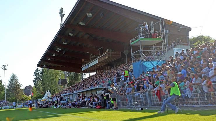 Im bis auf den letzten Platz besetzten Brügglifeld peitschten die Fans ihre Mannschaft nach der 0:3-Auswärtsniederlage nach vorne.
