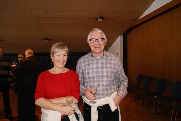 Die Aescher Bibliothekarin Sigrid Graf und ihr Mann Markus Graf lieben ihre Gemeinde