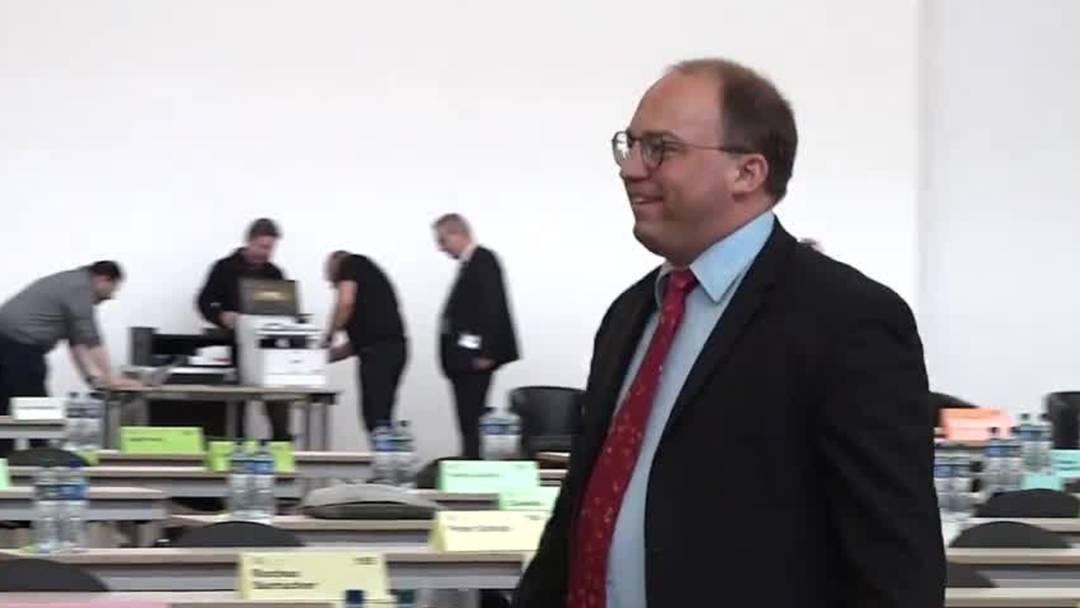 Corona-Krise: Kantonsrat Zürich tagt in Messehalle