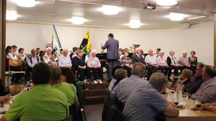Die SG beim Auftritt im Pfarreisaal der kath. Kirche Dulliken!