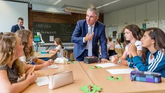 Zum Schulanfang 2018 hat Bildungsdirektor Alex Hürzeler die Kreisschule Aarau-Buchs als neu grösste Schule im Aargau besucht.