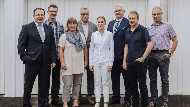 Mitglieder der Arbeitsgruppe Wirtschaft (v. l.): Daniel Christ, Fredy Bieli, Ines Kreinacke, Toni Rüegg, Jenny Frey, Franz Koch, Benno Schmid und Heinz Ackermann.