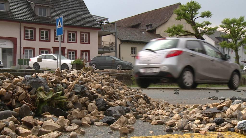 Strassen überschwemmt: Gewitter fordern Feuerwehr in Schaffhausen