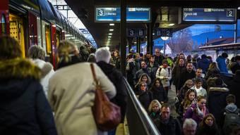 Die S-Bahn zwischen Lenzburg (Bild) und Wohlen soll viertelstündlich verkehren. Zwischen Bern und Zürich wird ganztägig der Viertelstundentakt eingeführt, mit halbstündlichem Halt in Aarau.