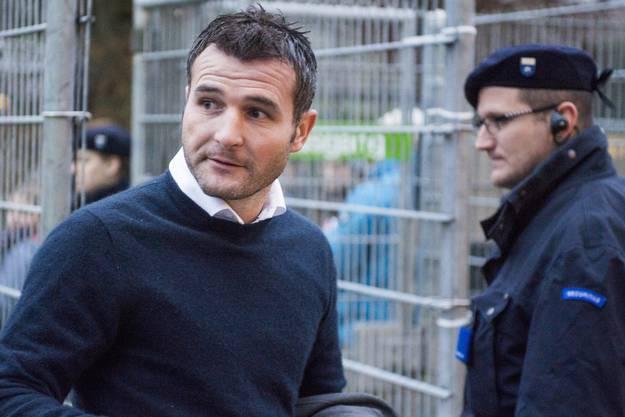 FCL-Sportchef Alex Frei bei der Ankunft im Brügglifeld