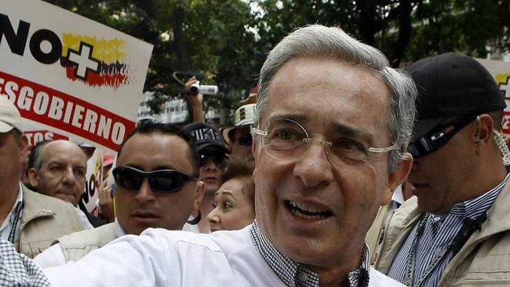Ruft zum zivilen Widerstand gegen das Friedensabkommen mit der FARC auf: Kolumbiens Ex-Präsident Alvaro Uribe. (Archivbild)