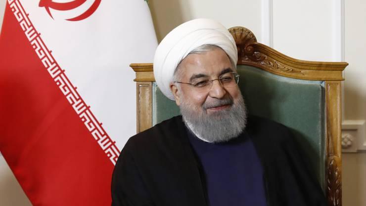 Irans Präsident Hassan Ruhani hat am Sonntag seine Absicht bekräftigt, dass er weiterhin im Amt bleiben möchte und nicht an Rücktritt denkt. (Archivbild)