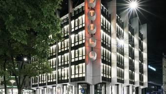 Die Immobiliengesellschaft PSP, der unter anderem auch das Bally-Gebäude an der Bahnhofstrasse in Zürich gehört, hat in der ersten Jahreshälfte ihre Leerstandsquote senken und den Gewinn steigern können. (Archivbild)