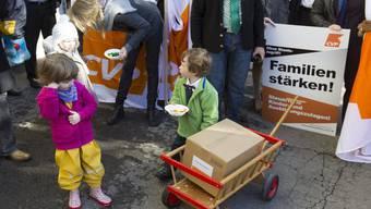 «Mit der Initiative werden alle steuerzahlenden Familien entlastet, unabhängig vom gewählten Lebens- oder Erwerbsmodell», erläutert Co-Präsident Luca Strebel. (Archiv)