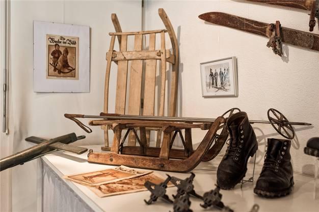 Die aktuelle Ausstellung in der Kulturwerkstatt Hofstetten-Flüh befasst sich mit der Fortbewegung im 19. und im 20. Jahrhundert.