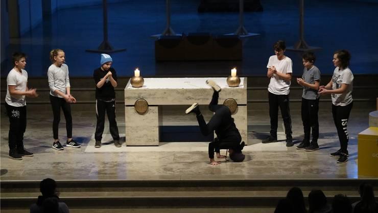 Breakdance vor dem Altar – die Jugendfeier in der katholischen Kirche Muri war ein Experiment, das bei den Kirchgängern sehr gut angekommen ist.