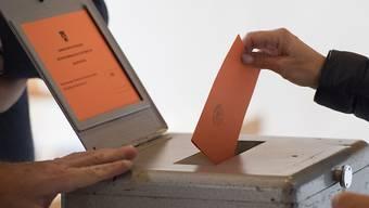 Noch haben die Stimmbürgerinnen und Stimmbürger einige Wochen Zeit um sich zu entscheiden. (Symbolbild)