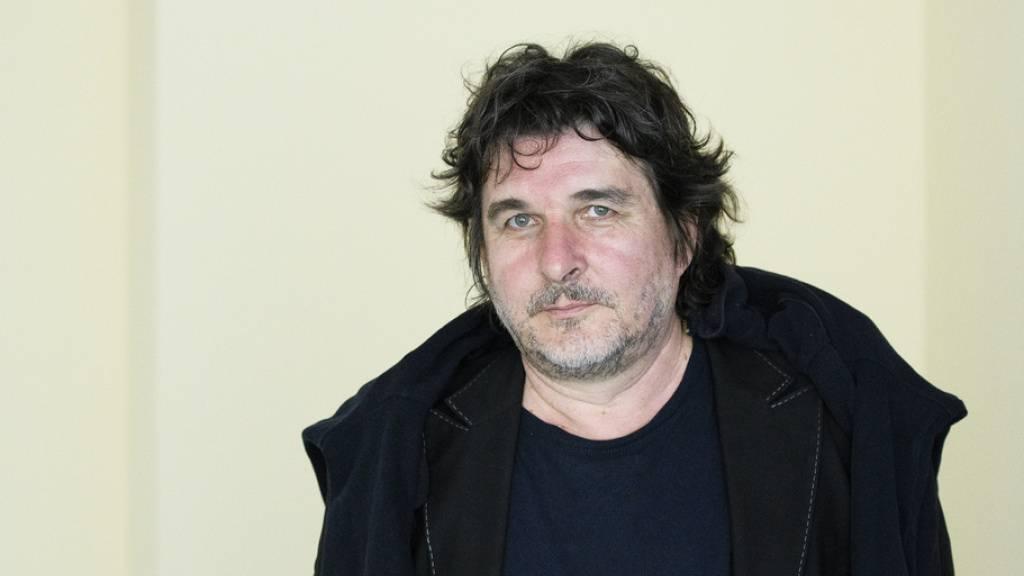 Frédéric Pajak ist der Träger des Schweizer Grand Prix Literatur 2021. Der Autor, Maler und Zeichner verbindet in seinen Werken Texte und Bilder, die sich ergänzen und hinterfragen. (Archivbild)