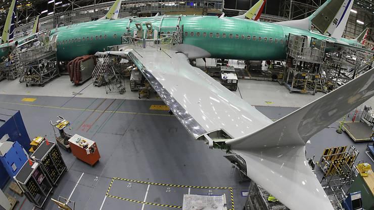 Montage eines Boeing-Flugzeugs des Typs 737 MAX in Renton im US-Bundesstaat Washington. (Archivbild)