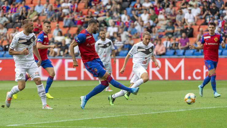 Der FCB ist dank dem Doppelpack von Matchwinner Kemal Ademi zurück an der Spitze der Tabelle.