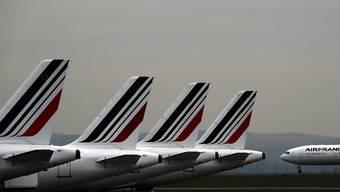 Mitten in der Ferien-Rückreisezeit ist es am Sonntag wegen technischer Probleme in Frankreich zu zahlreichen Verspätungen auf mehreren Flughäfen gekommen. Die Panne betraf das Planungs-und Kontrollsystem der französischen Zivilluftfahrtbehörde (DGAC). (Archivbild)