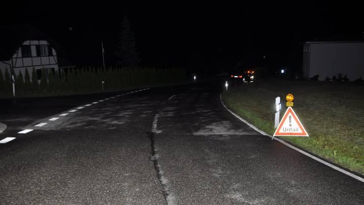 Die Strassenkreuzung, bei welcher der Fahrradlenker verunfallt ist.
