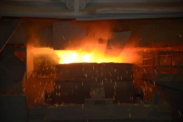 Stahl wird abgestochen