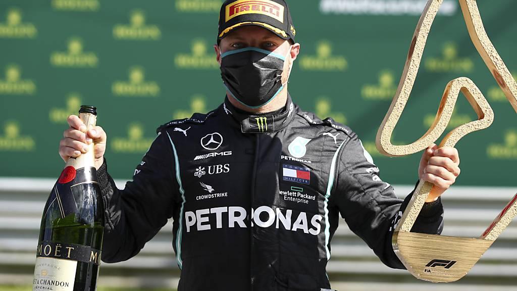 Bottas erster Saisonsieger – Räikkönen verlor unterwegs ein Rad