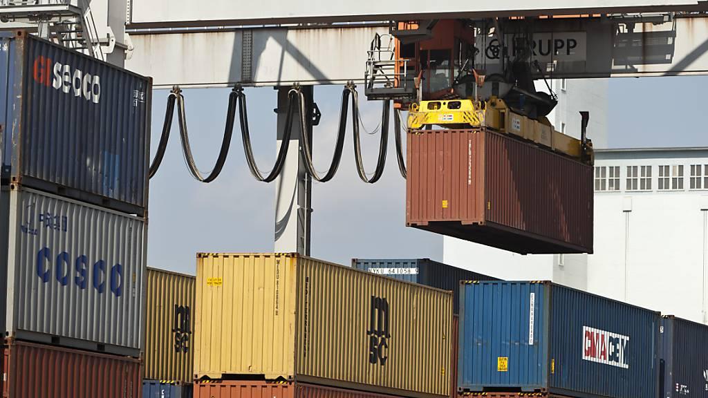 Sowohl die Exporte wie auch die Importe haben im August zugenommen. (Archivbild)