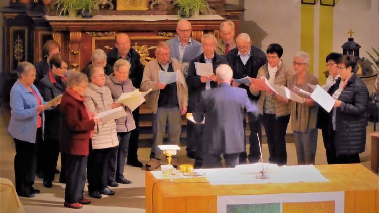 Der Chor beim vorgängigen Gottesdienst