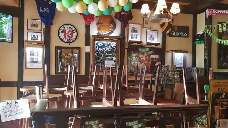 Im «Pickwick» in Baden ist bereits aufgestuhlt worden –  sicher bis 19. April bleibt das Pub zu.