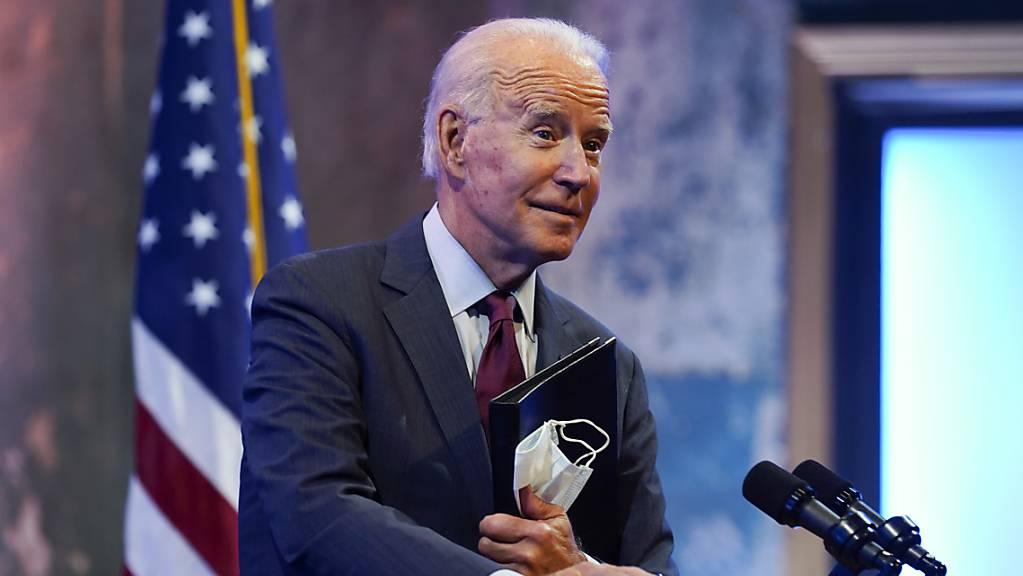 Joe Biden, demokratischer Bewerber um die Präsidentschaftskandidatur und ehemaliger US-Vizepräsident, hält im Queen Theater eine Rede. Foto: Andrew Harnik/AP/dpa