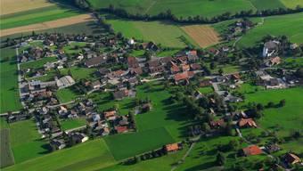 Der Gemeindepräsident begrüsste 18 Stimmberechtigte zur Gemeindeversammlung. (Archiv)