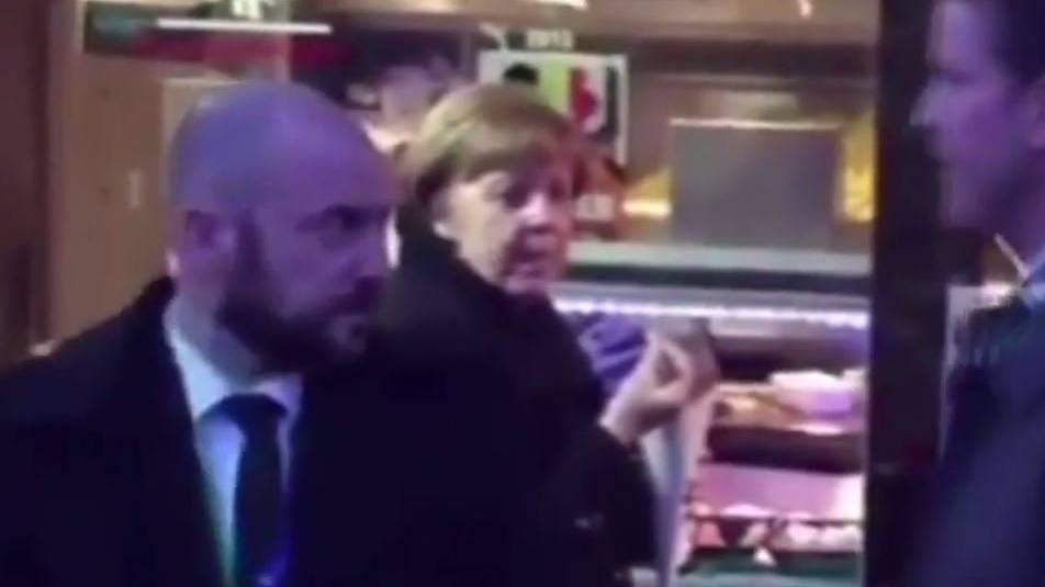 Auch Angela Merkel braucht mal eine Pause.