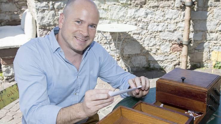 Im Nähkästchen der Schweiz am Wochenende verstecken sich verschiedene Begriffe. Das Thema für Mathias F. Böhm: «Zeitmaschine».