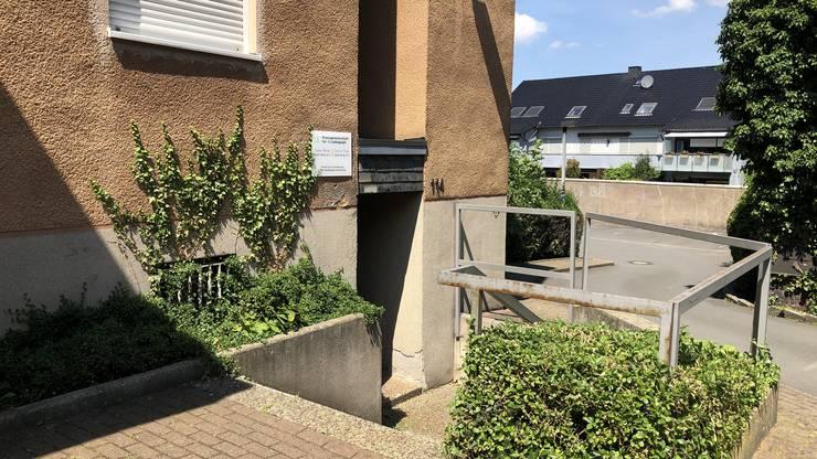 In diesem Gebäude am Wambeler Hellweg 114 in Dortmund (Wambel), das sich hinter einer Park-Apotheke befindet, hat Hareshchandra Shah einst praktiziert.