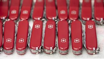 """Der Taschenmesserhersteller Victorinox und der Bund haben sich im Streit um die Marke """"Swiss Military"""" geeinigt."""