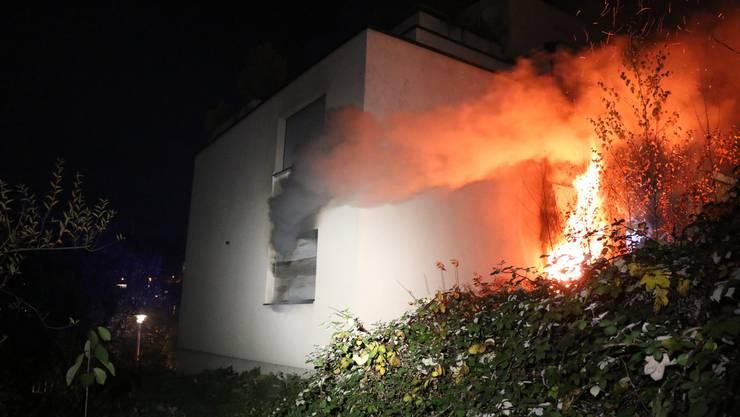 Bei einem Wohnungsbrand entstand ein Sachschaden von über 200'000 Franken.