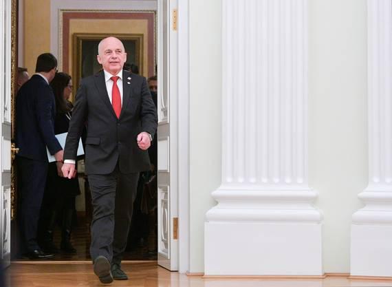 Ueli Maurer auf dem Weg zum russischen Präsidenten.