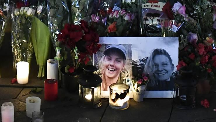 Die Bilder der zwei in Marokko ermordeten Frauen anlässlich einer Gedenkveranstaltung Ende Dezember in Kopenhagen. Die drei Haupttäter wurden am Donnerstag zum Tod verurteilt. Ein Schweizer Mittäter erhielt 20 Jahre Haft.