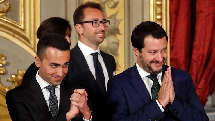 Luigi Di Maio (l.) von der Protestbewegung Cinque Stelle und Matteo Salvini (r.) von der Lega.