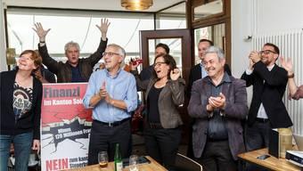 Triumph über Regierung und bürgerliche Mehrheit: Die Steuervorlage-Gegner von Rot-Grün jubeln.