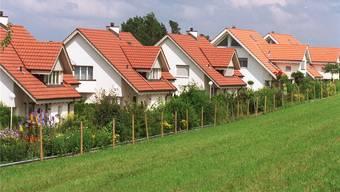 Der Traum vom Einfamilienhaus: Was man für diesen Traum im Aargau hinblättern muss, variiert stark von Gemeinde zu Gemeinde.
