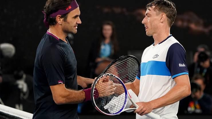 Nach über vier Stunden bezwingt Roger Federer John Millman.