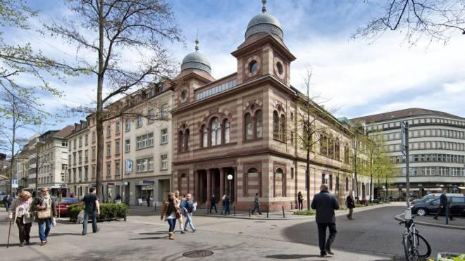 Synagoge in Zürich: Trotz gestiegener Sicherheitskosten der jüdischen Gemeinden lassen sich die Behörden Zeit mit echter Hilfe. Foto: Keystone/Alessandro Della Bella