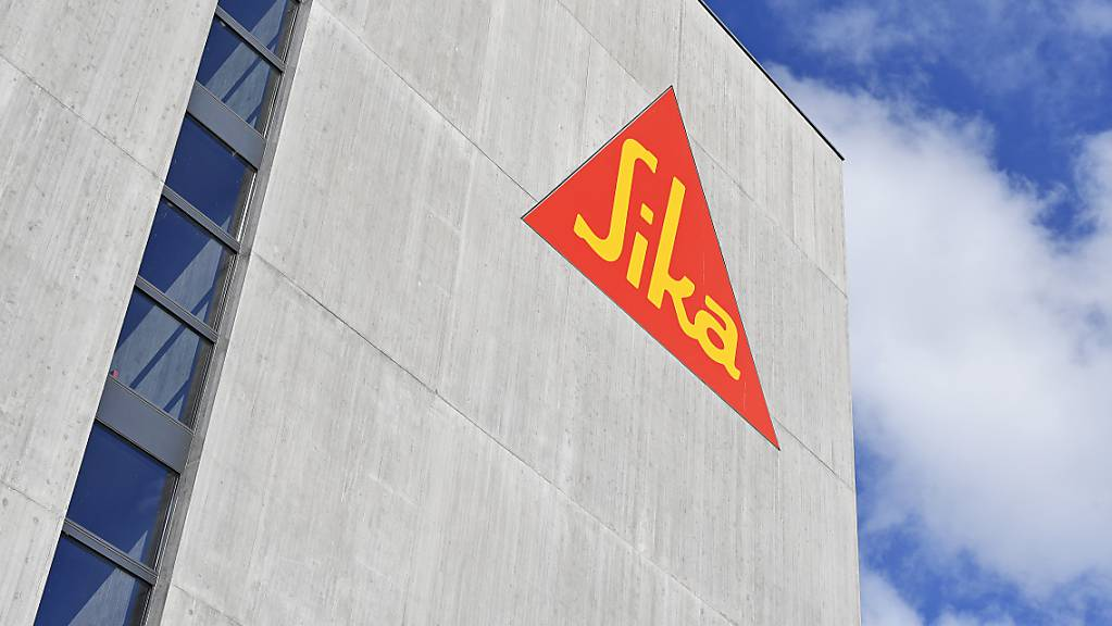 Der Frauenanteil im Verwaltungsrat von Sika soll steigen: Logo des Baukonzerns an einem Gebäude in Zürich. (Archivbild)