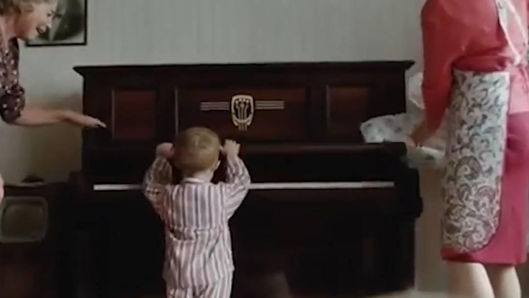 Tränendrüsen-Alarm: Rührender Weihnachtsspot mit Elton John