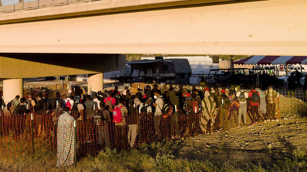 Nach Räumung des Migrantencamps öffnen USA Grenzübergang in Del Rio