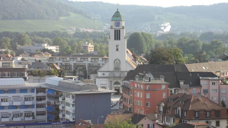 Blick auf Dietikon mit St. Agatha Kirche