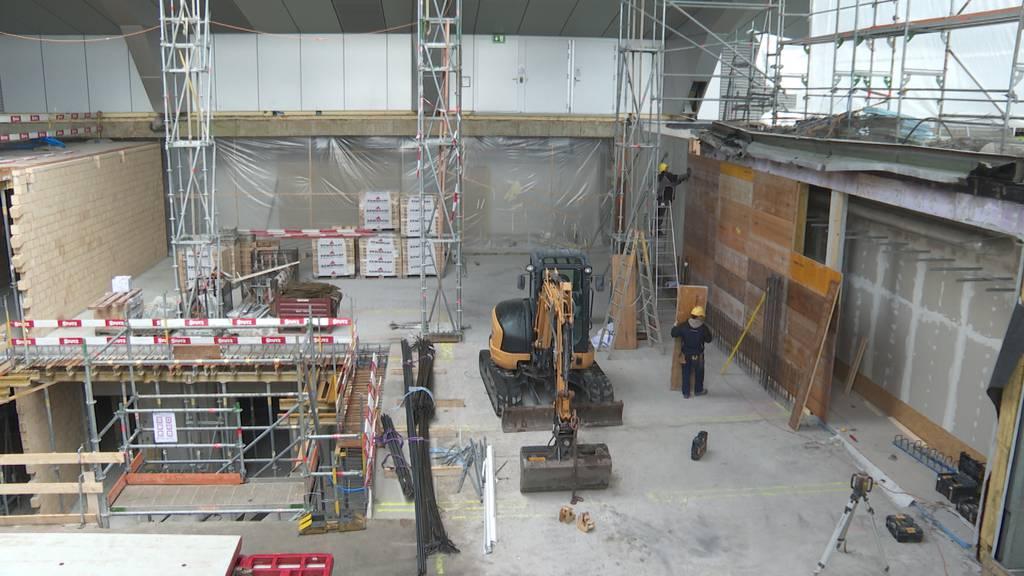 Wahrzeichen verschwindet: Zwölfstöckiger Spitalturm wird abgebaut