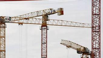 Insbesondere auf dem Bau gabe es saisonal bedingt mehr Arbeitslose,