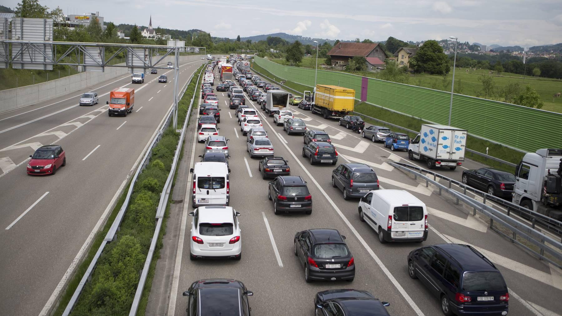 Feierabendstau auf der Stadtautobahn ist in den nächsten Jahren sicher keine Seltenheit. (Archivbild)