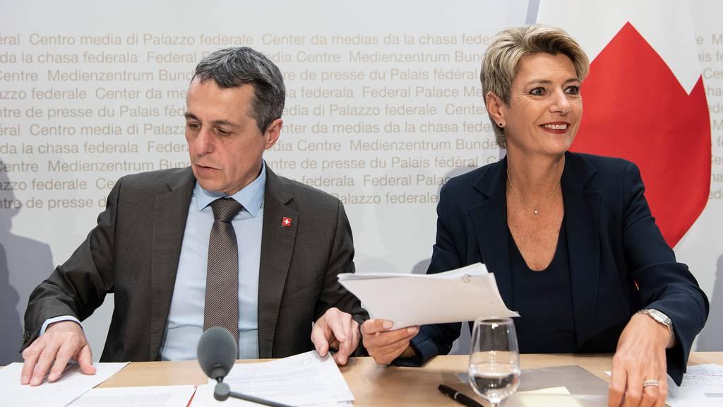 Kommission erwartet Klärung und setzt Subkommission ein